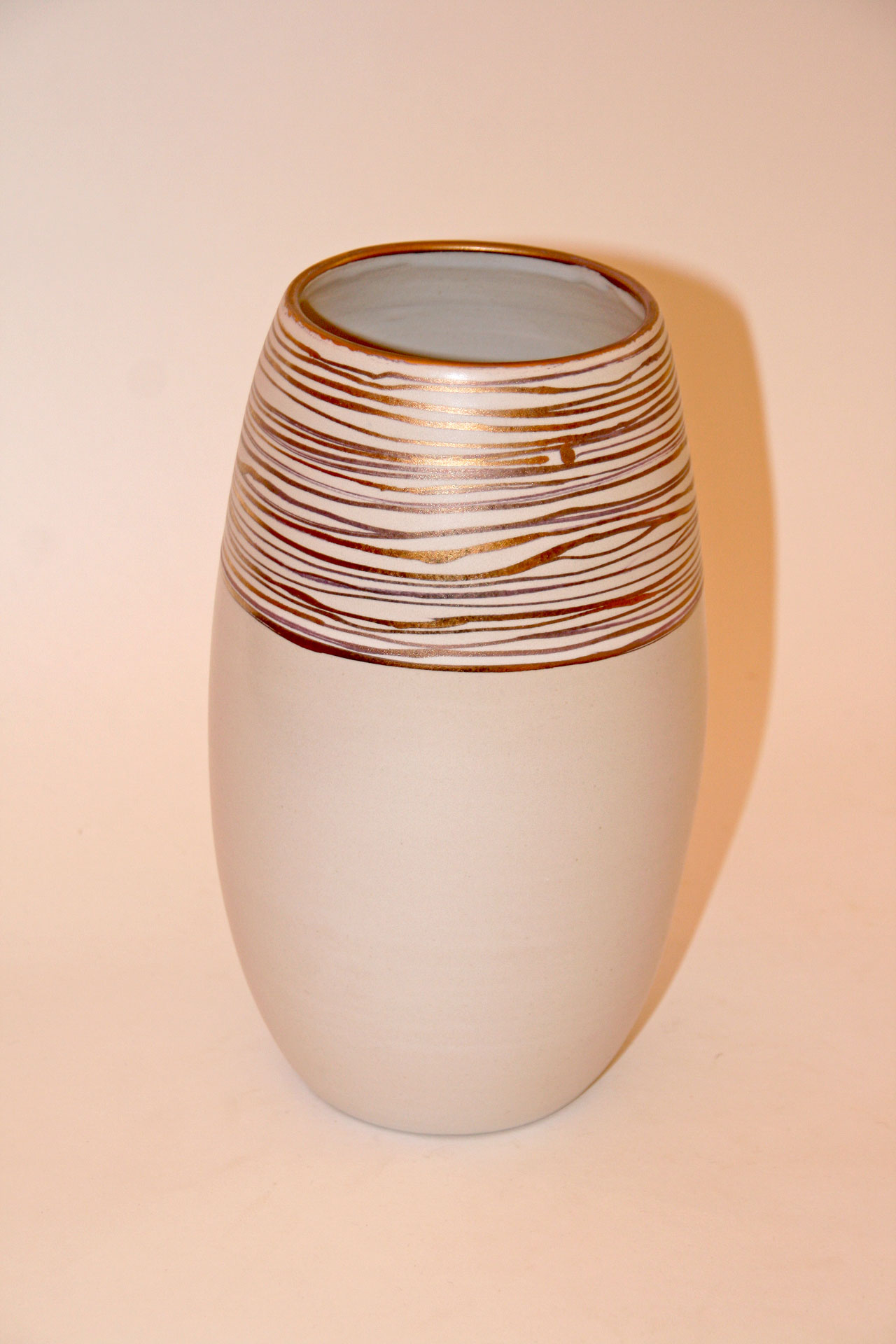 weissgold_vase_oval_solo-01